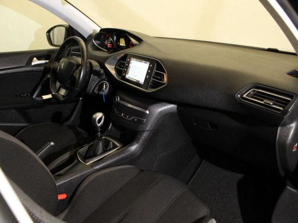 Peugeot - 308 - 1.6 BlueHDi Style GPS