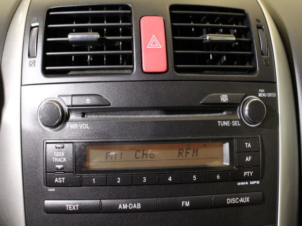 Toyota - Auris - 1.4 D-4D Active