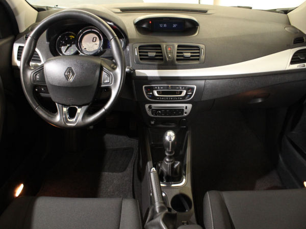 Renault - Mégane - ST 1.5 dCi Dynamique S