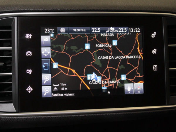 Peugeot - 308 - 1.6 BlueHDi Style + Pack Sport GPS